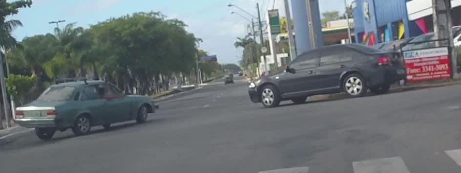 O dia em que filmei um carro caindo no canal de Piedade